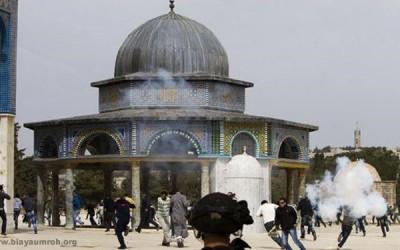 israel menyerang masjid al-aqsa
