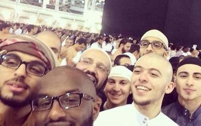 Selfie bareng bareng heboh